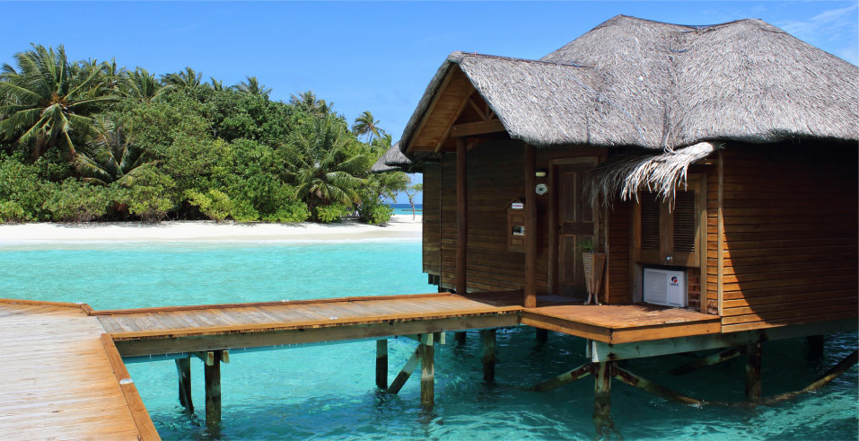 Romance travel in an overwater bungalow - Unforgettable Trips