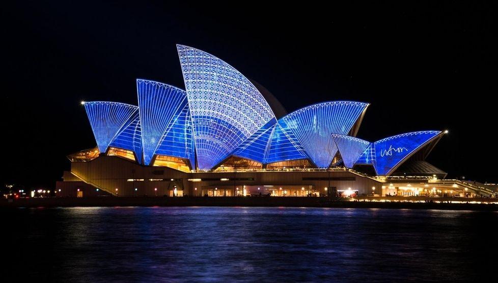 Unforgettable Trips Australia & New Zealand Sydney Opera House at night